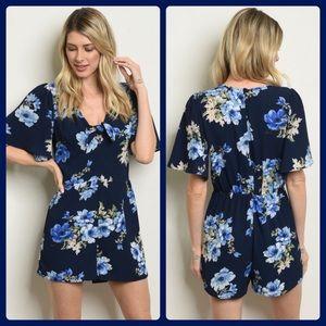 ❤️pretty blue floral romper